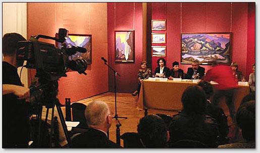 Presskonferenz der Teilnehmer der Roerich-Konferenz