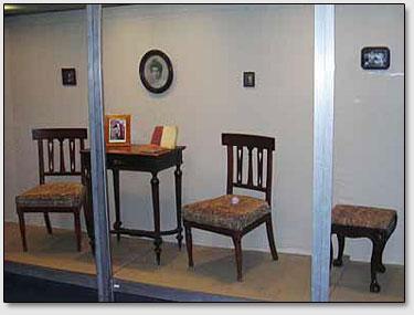 Die Möbel von der Roerichs Familie.