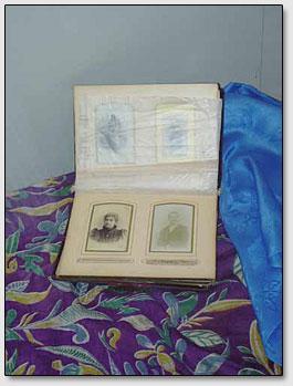 Photoalbum von der Familie Roerichs.