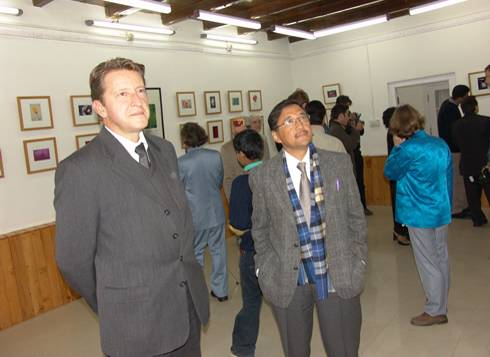 Mr N.Kudashev, Deputy Chief of the Russian Embassy and Sh.Ashok Thakur, Principal Secretary, Tourism, Art Language and Culture, H.P.Government, during the  inauguration of the exhibition