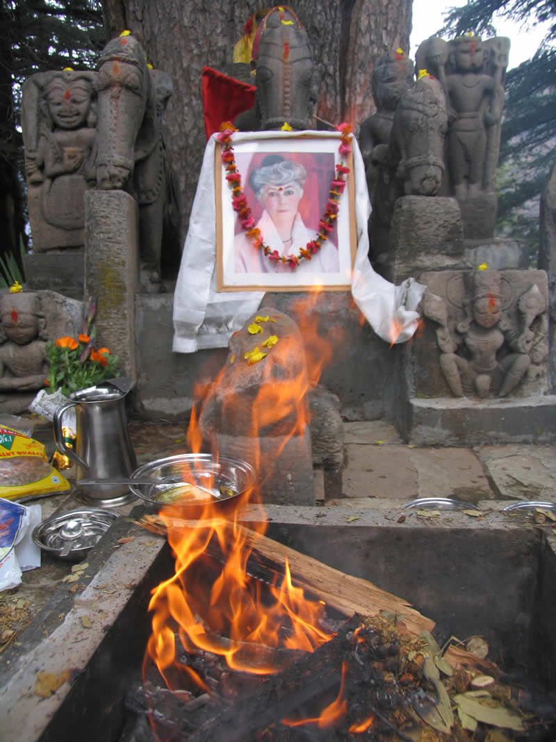 13.02.2007 - Celebration of Helena Roerich's Birthday: Puja