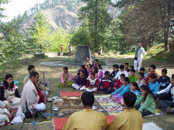 Shanti puja to the memory of Devika Rani