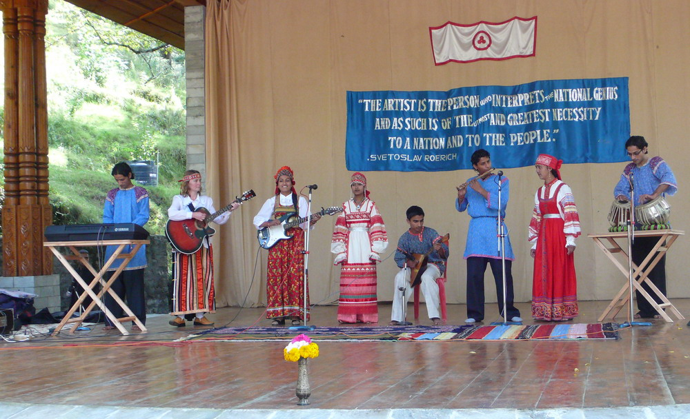'Himalayan Eagles' perform Russian songs