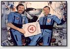 'Die Kosmonauten A.Balandin und G.Strekalov in kosmischer Station